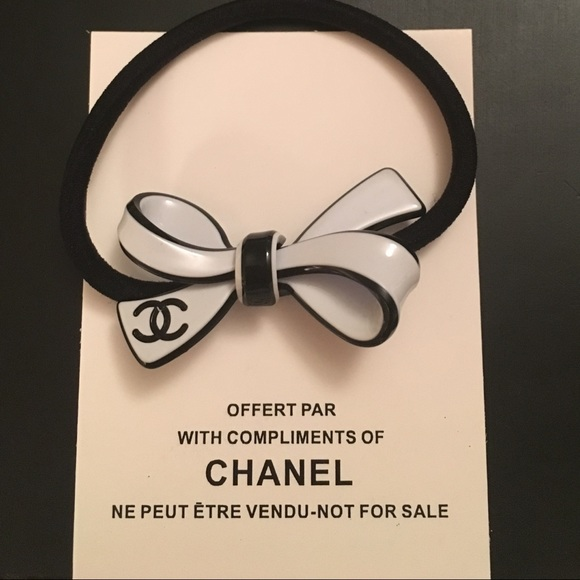 CHANEL Accessories - Authentic Chanel VIP White Bow Hair Tie 395299ebf25